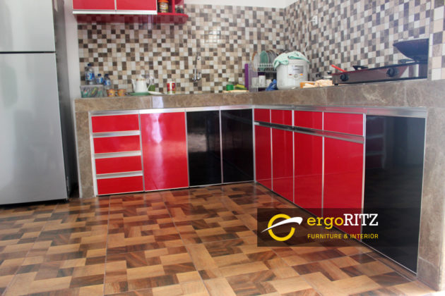 Kitchen set HPL view bawah